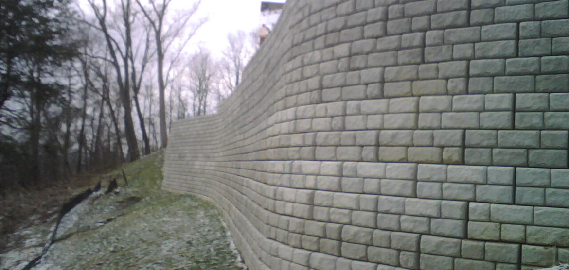 Redi Rock Retaining Walls